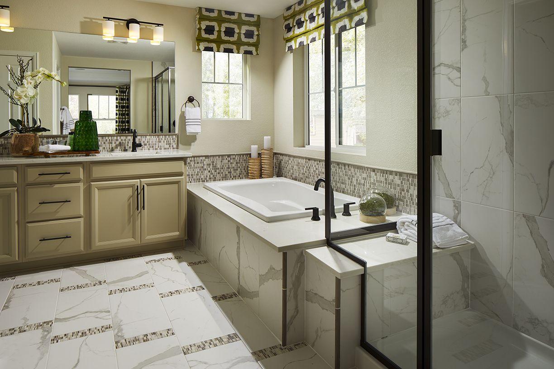 William Lyons South Shore 40c1 Master Bathroom
