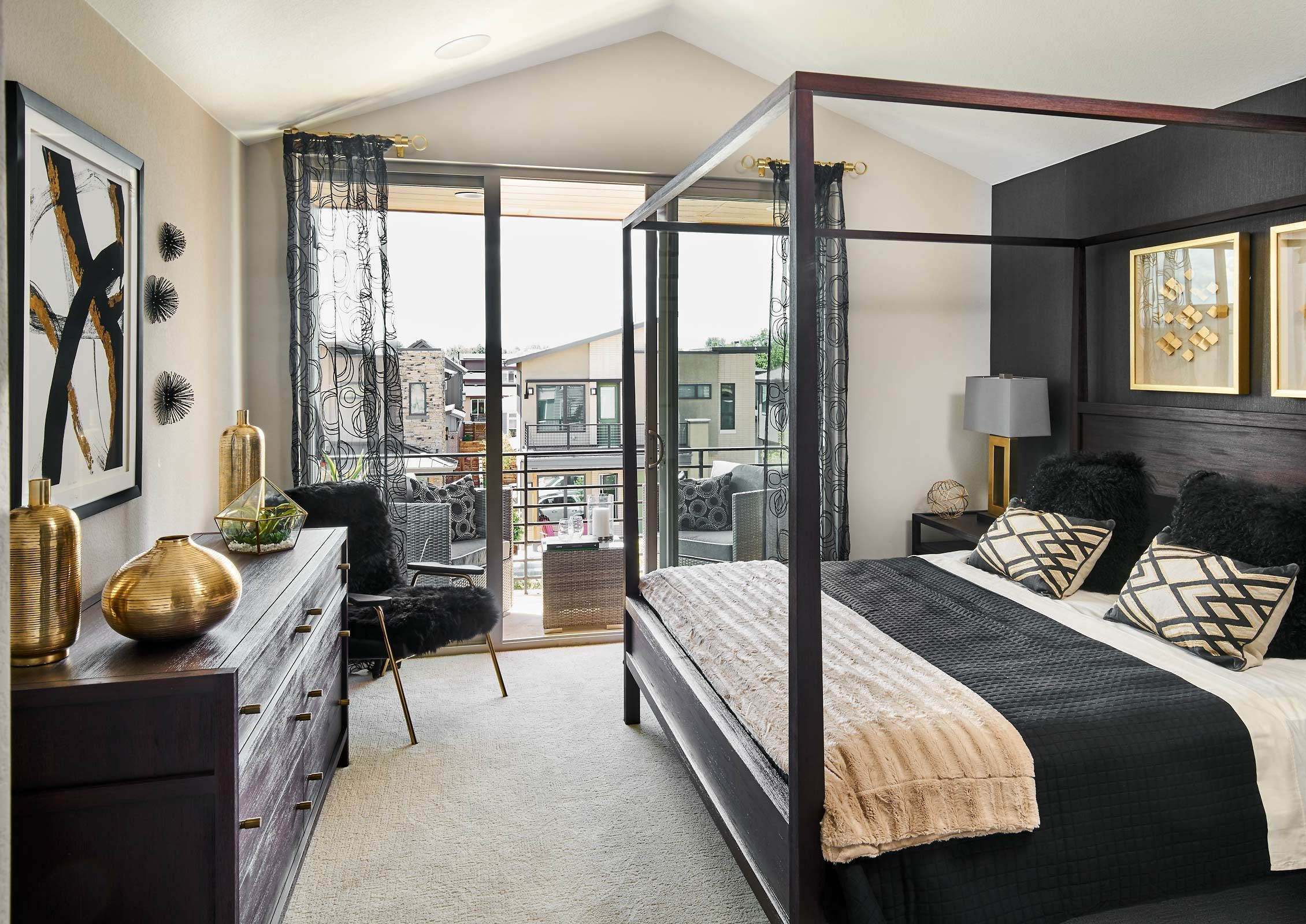 Koelbel 84 Oneida Ct 05 24 18 Master Bedroom Web