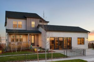 4770 Lakeside Dr Exterior