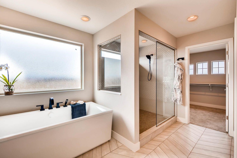 16270 Fairway Dr Commerce City Large 020 50 2nd Floor Master Bathroom 1500x1000 72dpi